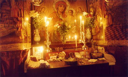 russian orthodox christmas date Russian orthodox christmas (rozhdestvo) is celebrated on the julian calendar more date of jan 7 each year russian christmas eve is the last meatless meal of advent as it is in ukraine, poland, and other slavic countries.